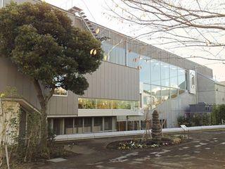 21漱石山房記念館裏庭.JPG